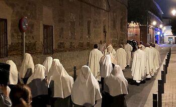 Profanan y tiran en la calle el sagrario de un convento