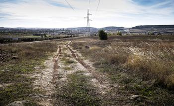 Adif aún no ha limpiado tierras que ocupó para el desvío