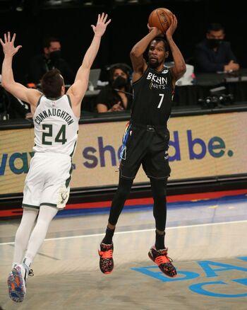 Un histórico Durant lidera la remontada de los Nets