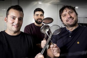 Tres cocineros de cinco tenedores
