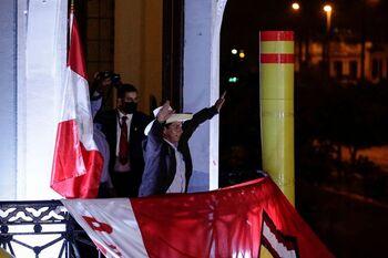 Castillo promete un Perú