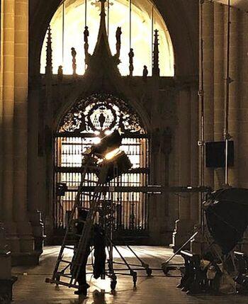 La productora ve «generosos» los 15.000 € para la Catedral