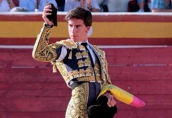 Alejandro Peñaranda debutará con picadores en Iniesta