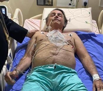 Bolsonaro es trasladado a un hospital de Sao Paulo