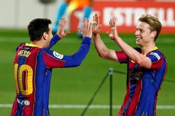 Un Barcelona alegre cree en la Liga