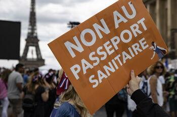 Francia aprueba el uso del certificado sanitario