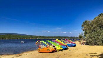 Playa Pita, en Soria, está situada en el Embalse de la Cuerda del Pozo en la localidad de Herreros.