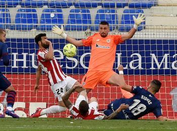 El Huesca no se rinde y prolonga el sueño de la permanencia