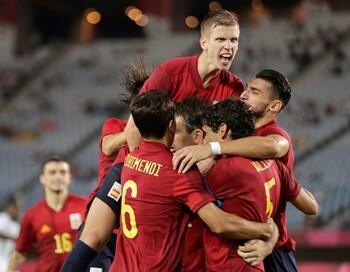 Rafa Mir lleva a España a semifinales