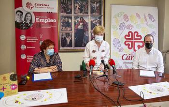 Caritas creará 6 empleos en una tienda de ropa usada