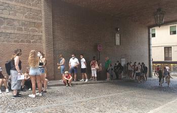Aluvión de turistas en Toledo en el improbable mes de agosto