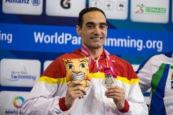 Miguel Luque inaugura el medallero español con una plata