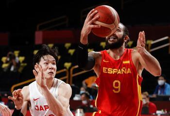 España despierta a tiempo y pone en su sitio a Japón