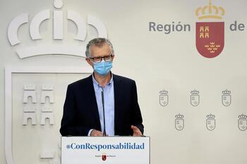 Murcia prohíbe las reuniones de no convivientes por la madrugada