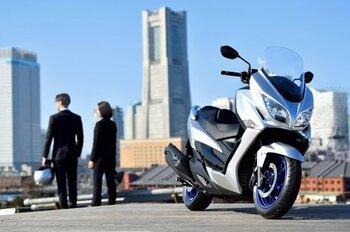 Suzuki renueva el maxiscooter Burgman 400