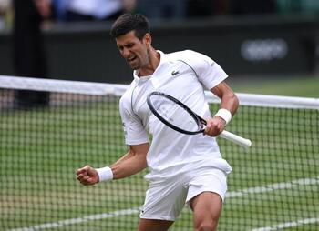 Djokovic alcanza los 20 'grandes' de Federer y Nadal