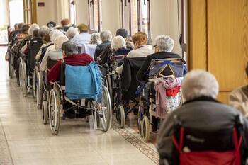 Más restricciones para las visitas a residencias de mayores