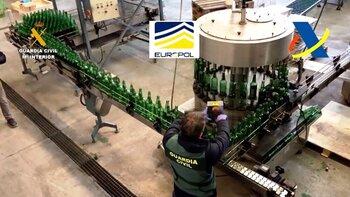Intervienen 48.000 litros de 'whisky' por fraude alimentario