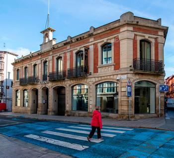 El emblemático edificio de la calle Sagasta aguardará a que la situación económica mejore en busca de nuevo uso.