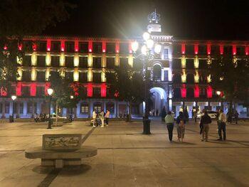 Zocodover se engalana en la víspera del Día de la Hispanidad
