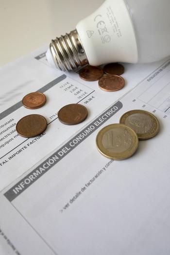 Los precios suben un 5% empujados por luz y combustibles