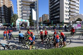 Unas 3.000 personas participan en el Día de la Bici