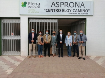 Miembros de las Cortes recogen las necesidades de Asprona