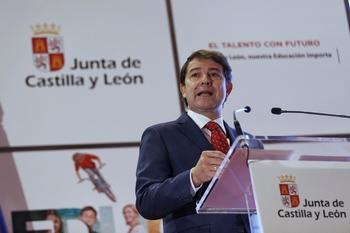 Mañueco garantiza la educación gratuita de 2 a 3 años