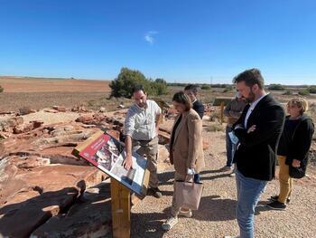 La región integra la Casa de Oro de Quero en su red rupestre