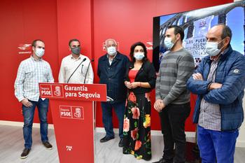 El PSOE pide mantener dos médicos de urgencias en Nava
