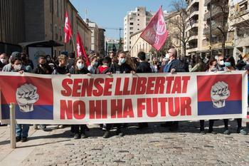 Unas 500 personas se manifiestan en Girona en apoyo de Hasel