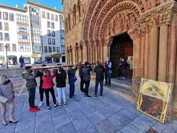 Jóvenes de Soria portan la Cruz y el Icono de la próxima JMJ
