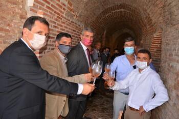 Méntrida inaugura su Museo del Vino en sus cuevas bodega
