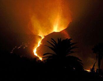 La erupción del volcán de La Palma cumple un mes