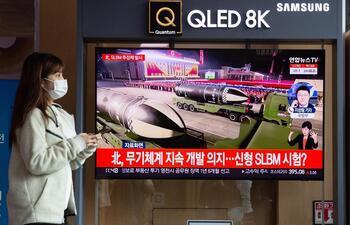 Corea del Norte lanza un misil balístico hacia el mar de Japón