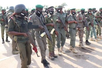 Más de 800 presos se fugan de una cárcel de Nigeria