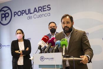 Núñez pide a Page que le apoye para bajar la luz