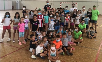 Alberola Rojas visita el Campamento Deportivo del PDM