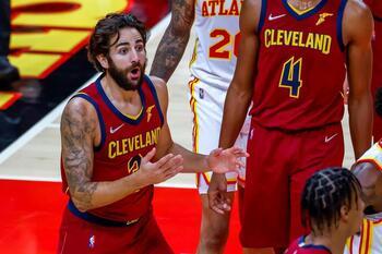 Los Cleveland consiguen su primer triunfo