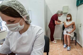 Rusia rebasa los 230.000 fallecidos por coronavirus