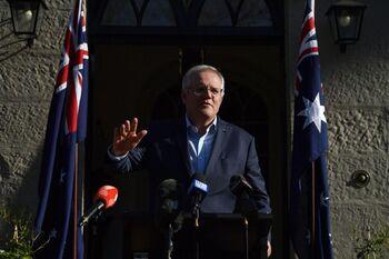 Australia reitera que comunicó a Francia sus dudas