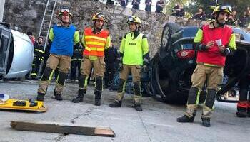 Bomberos logroñeses forman en ayuda en accidentes en Béjar