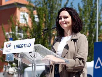 La presidenta de la Comunidad de Madrid y candidata del PP a la reelección, Isabel Díaz Ayuso, durante un acto electoral este domingo
