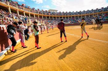 Imagen de archivo de una de las últimas ferias taurinas de San Julián, con la plaza de toros llena hasta la bandera.
