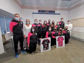 El Sporting Santo Domingo recupera su equipo senior femenino