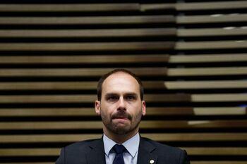 'Alerta mundial' por el positivo del hijo de Bolsonaro