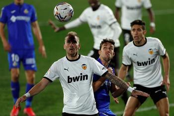 El Getafe vuelve a sonreír goleando al Valencia