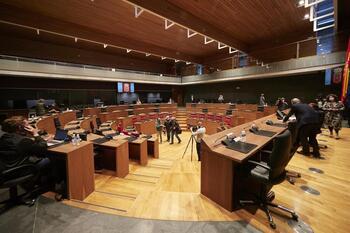 NA+ insta al Gobierno foral y central a no pactar con Bildu