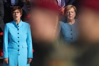 Dos ministros de Merkel renuncian a la renovación de escaño