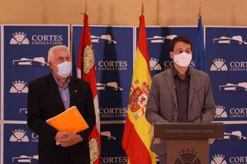 Delgado (i) y Panizo, en rueda de prensa.